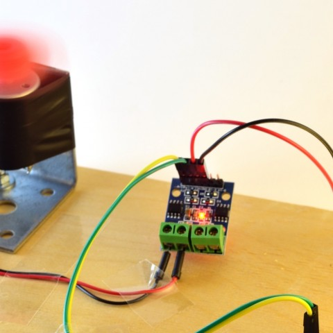 H-bridge HG7881CP testimine Arduino ja 12V toitepingega.